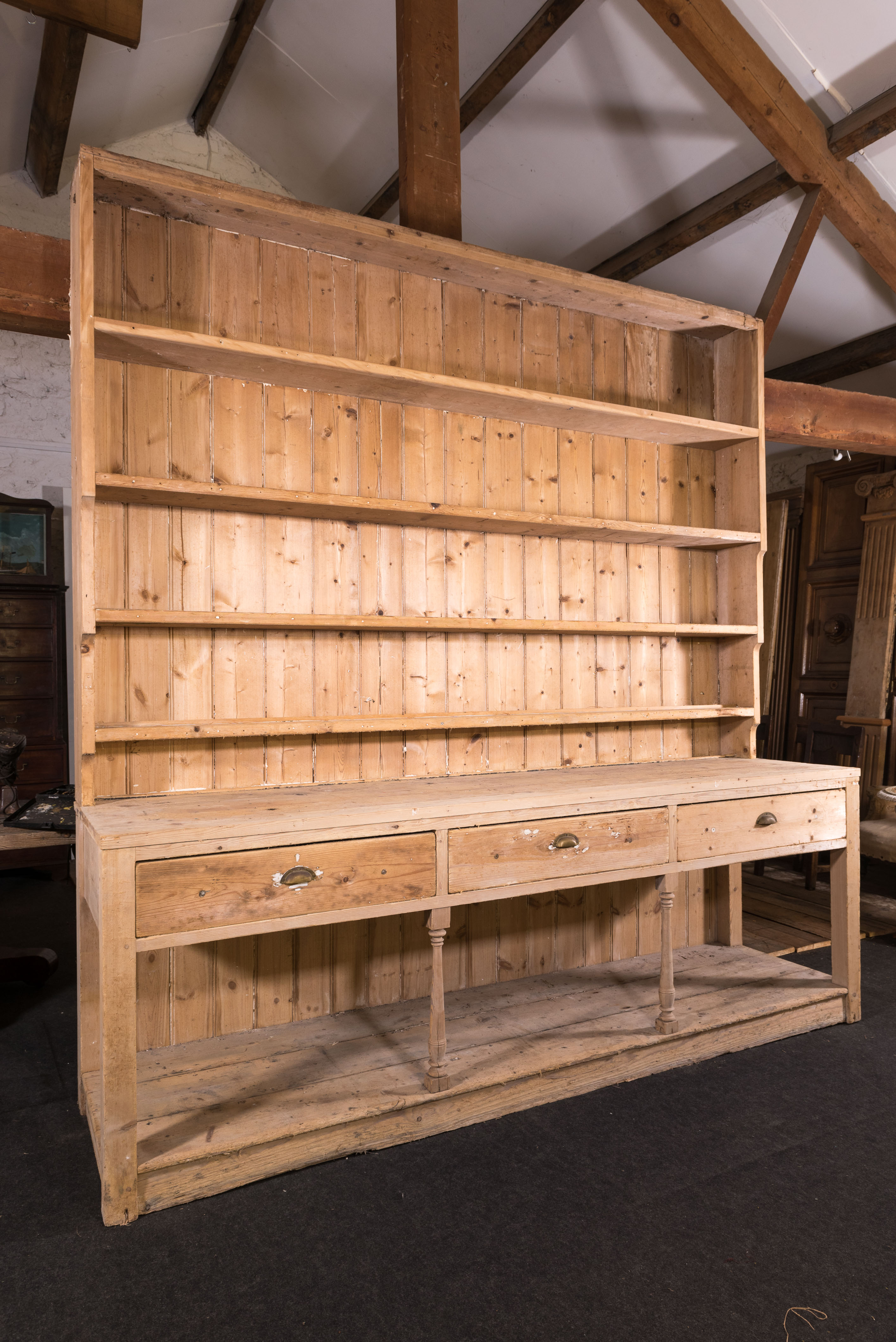 Picture of: Large Antique Pine Dresser Repton Co